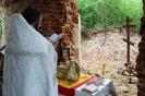 Божественная литургия в разрушенном храме в д. Николо-Эдома
