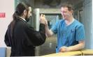Пациентов и сотрудников больницы поздравили с Пасхой Христовой